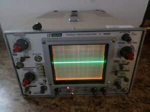Bk Precision 20 Mhz 1522 Oscilloscope powers Up Small Defects