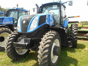 New Holland T8 275 Tractor Mfwd 884 Hours Sn zbrc09090