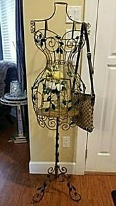 Old Fashioned Metal Mannequin Vintage Decorative Display Stand Wire Sculpture