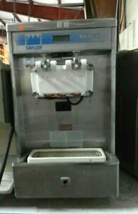 Taylor Soft Serve Ice Cream Machine 208v 3 Phase