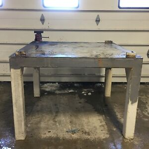 Steel Work Bench Welding Fabrication Layout Table 50 x50 1 2 With Wilton Vise