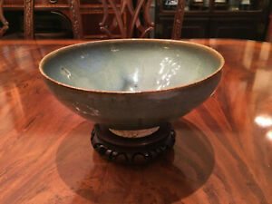 A Large And Rare Chinese Yuan Dynasty Junyao Glazed Bowl