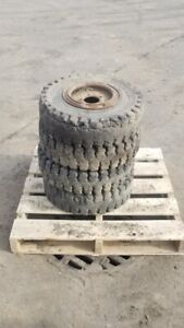 Solid Skid Steer Tires wheels For Bobcat 440 453 463 s70 Flat Free Used Demo