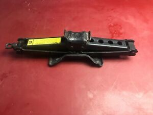 92 99 Chevrolet Suburban Tahoe Jack Assembly Spare Tire Emergency Yukon Truck