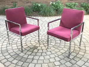 Mid Century Modern Pair Of Chrome Lounge Chairs In Style Of Milo Baughman