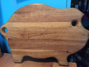 Large Vintage Pig Cutting Board Thick Oak With Cut Out Eye And Tail 17 5