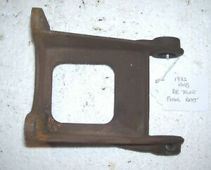 1932 Ford Bb Truck Clutch And Brake Pedal Mount Bracket 1933 Also