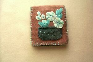 Vtg Hand Made Wool Embroidery Needle Travel Case Book Holder