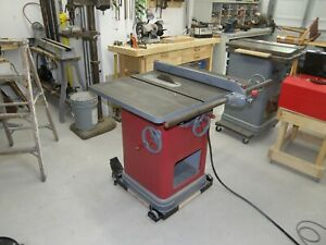 Delta Unisaw 10 Tablesaw