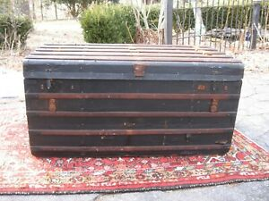 Antique Flat Top Thin Slat Stagecoach Trunk 1800 Coffee Table Canvas Working Key