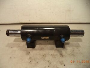 Bobcat Steering Cylinder For Tool Cat 6688675 Toolcat Very Good Pre Owned Cond