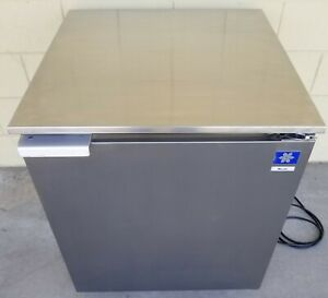 Mccall R 6e 27 Undercounter Compact Refrigerator Single Door On Casters wheels