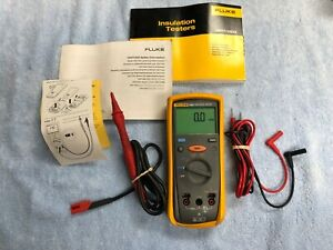 lotb Excellent Fluke 1503 Insulation Tester W Accessories