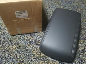 New Gm Oem 2006 2013 Chevy Impala Black Center Console Armrest Lid 15779837
