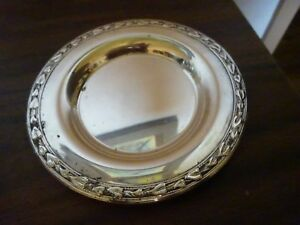 Wm A Rogers Silverplate Round Tidbit Tray Butlers Tip Dish 5 5 Leaf Pattern