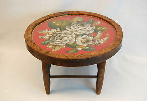 Framed Victorian 19th Century Circular Needlepoint On A Low Base