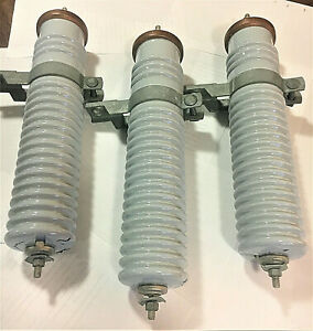 Insulators 15kv Eh Dist By Mcgraw Edison Power System