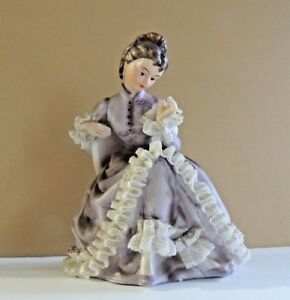 Beautiful Vintage Porcelain Lace Figurine Seated With Lovely Lavender Dress 6