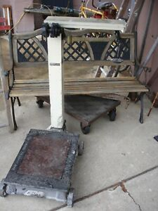 Antique Vintage Cast Iron Platform Grain Freight Cargo Scale Montgomery Ward