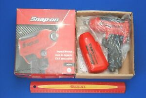 New Snap On 3 8 Drive Red Super Duty Air Impact Wrench W Boot Muffler Mg325