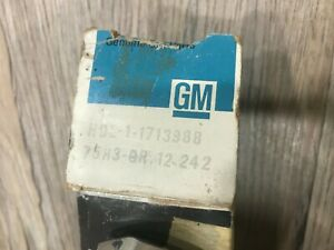 1982 1990 Chev Buick Pontiac Olds Station Wagon Nos Gm Tail Gate Handle 1713968