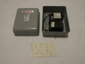 Square D 240 Vac Magnetic Relay Switch W Box 0138