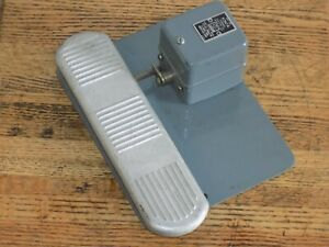 Furnas X267a 2 Pole Foot Switch Momentary Contact Action 110 550v 3 4hp