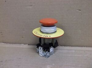 Ht8cbrb Eaton Cutler Hammer 30mm E stop Emergency Stop Switch Pushbutton