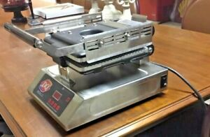 Dairy Queen Panini Press Sandwich Maker Iron Grill Griddle Model Igpo Used