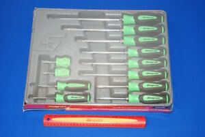 New Snap on 12 Pc Instinct Soft Grip Combo Screwdriver Set Sgdx120bg Ships Free
