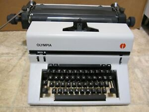 Vintage Olympia Sg3 B Manual Typewriter