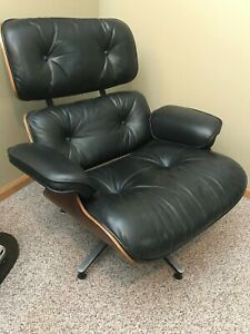 Original 1971 Rosewood Charles Eames Lounge Chair And Ottoman