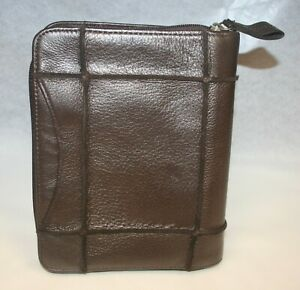 Franklin Covey Soft Brown Pebbled Leather Compact Zippered Binder 1 25 Rings