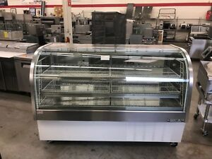 Beverage air Cdr6 1 72 Refrigerated Curved Glass Display Case Refurbished