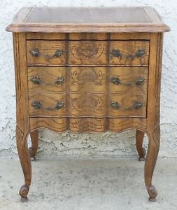 Vtg Country French Oak Nightstand Small Chest Side End Table La Area