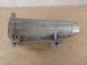 Triumph Tr6 Transmission Gearbox Tail Shaft Housing Stanpart 305048 V2702 Oem