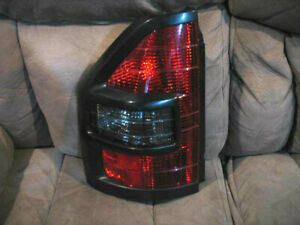 2001 2002 Mitsubishi Montero Tail Light Left Driver 01 02