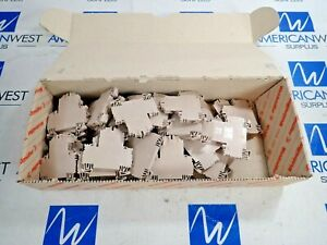 Weidmuller Wdk 4n Terminal Block New Box Of 49 600v 30a Awg 26 To 10