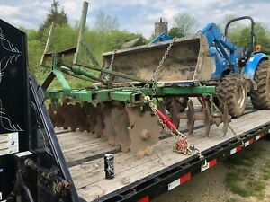 John Deere 8 Disc Three Point Hitch With Notched Harrows And Scrapers