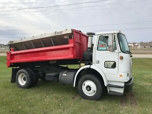 price Reduced Volvo Ve W Heavy duty Construction Box And Hi way Salter