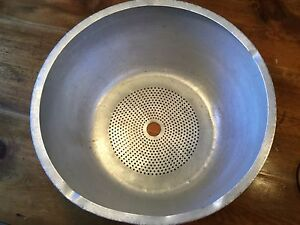 Hobart Vcm 40 Bowl Insert Colander Bottom Used 19 1 4 Across