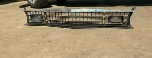 1973 1974 Original Mopar Duster Scamp Valiant Grill With Parking Lights