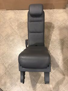 2005 2010 Honda Odyssey Center Row Middle Jump Seat Dark Gray Leather