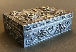 Fine 1890 S Chinese Export Luen Wo Sterling Silver Floral Repousse Cigar Box