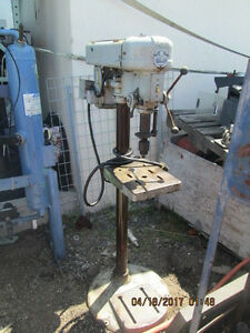 Walker Turner Drill Press Model 1216 21 Powers On_motor Works_as is