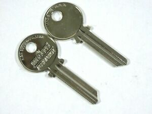 Medeco Original 2 new Commercial Key Ky 106600 Round bow Uncut a1515 6 pins