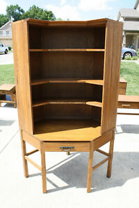 Ranch Oak Corner With Bookcase And Chair