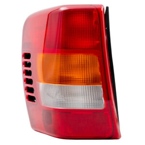 Tail Light Assembly For 99 02 Jeep Grand Cherokee Drivers Lamp W Circuit Board
