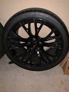 Corvette Zo6 Gm C7 Zo6 19x10 Black Gloss Wheel And Michelin Pilot Sport Tire