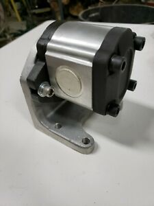 Dynamic Fluid Components Gp f20 12 p c Hydraulic Gear Pump New W Pedestal 71020